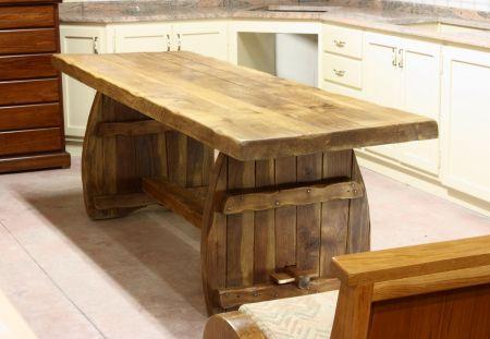 Cristofoli arredamenti e scale soggiorni tavoli e mobili rustici per taverne - Mobili in castagno massello ...